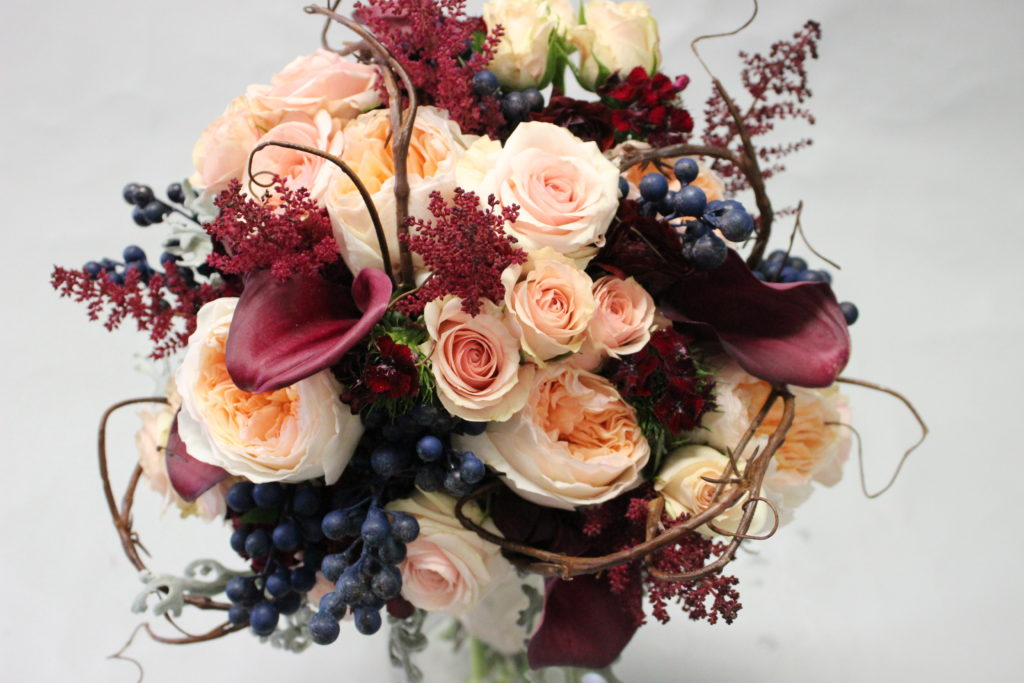 wine, navy, blush and peach Des Moines Wedding flowers