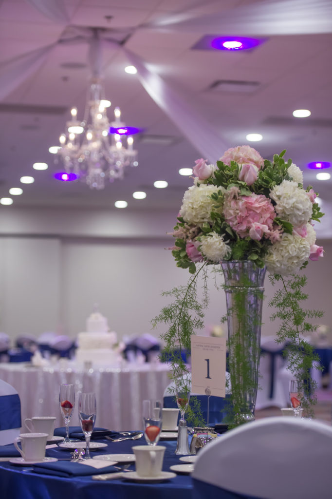 Blush and navy wedding flowers Photo by Blind Photography Downtown Des Moines Marriott